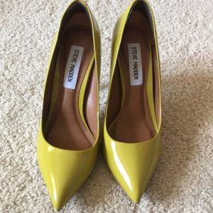 Steve Madden yellow green heels size 5.5